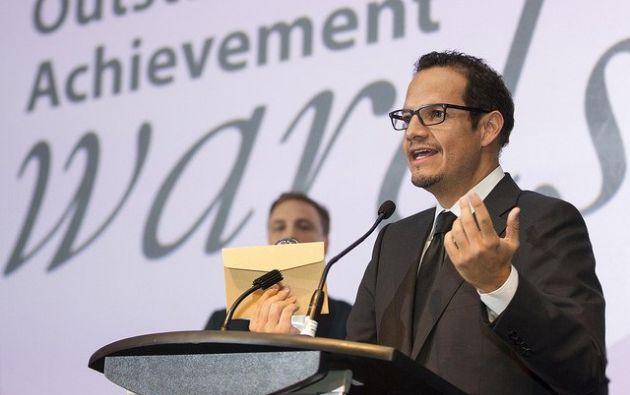 """""""Me siento orgulloso por nuestro trabajo en equipo"""", dijo Córdova al aceptar el premio. Foto: Ministerio Minería"""