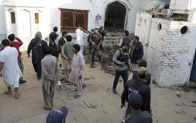 El atacante suicida hizo explotar las bombas que portaba al ser parado por la policía en la entrada del templo Fatehpur Sharif. Foto referencial