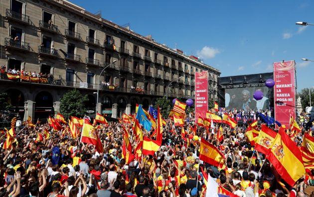 La manifestación, a la que asistieron 350.000 personas según la policía local, y 950.000, según los organizadores, concluyó con un discurso del escritor Mario Vargas Llosa. Foto: Reuters