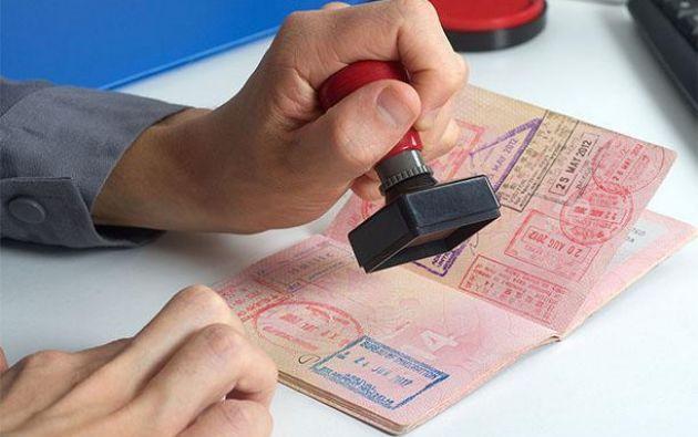 """""""Esta medida se aplica tanto a los visados en los pasaportes como a los e-visados (adquiridos vía internet) y los visados adquiridos en la frontera"""", concluye el comunicado. Foto referencial"""