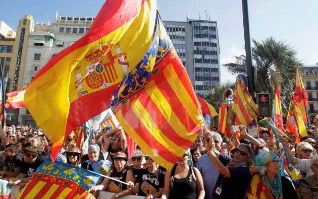 La vicepresidenta eludió concretar si el gobierno aplicaría el Artículo 155 de la Constitución, que prevé la suspensión e intervención del gobierno regional catalán. Foto: Reuters