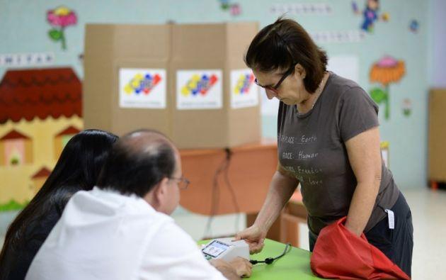 Abiertos casi el 95 % de los centros para elecciones regionales en Venezuela. Foto: AFP