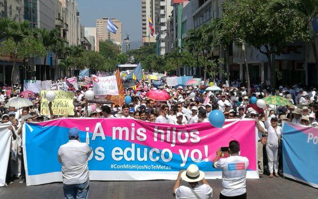 Las convocatorias del movimiento Vida y Familia, avaladas por la Iglesia, atrajeron a cientos de miles de personas, sobre todo en Quito y Guayaquil. Foto: Trendingtopics