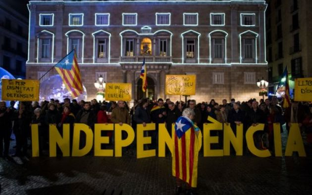 """Dos asociaciones independentistas, la Asamblea Nacional Catalana (ANC) y Omnium Cultural, invitaron a sus militantes en las redes sociales a varias """"acciones directas pacíficas"""". Foto: AFP"""