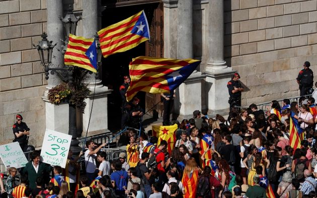 Es una incógnita si la eventual disolución del parlamento regional y la convocatoria de elecciones frenará el voto del artículo 155 de la Constitución española. Foto: Reuters