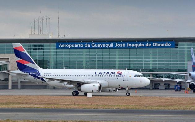 Durante los trabajos en la pista se permitirá solo las operaciones de los helicópteros. Foto: Aviación Guayaquil