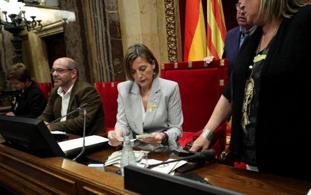 Por esta actuación, la Fiscalía española acusó ayer a Forcadell y a los miembros independentistas de la Mesa. Foto: Reuters