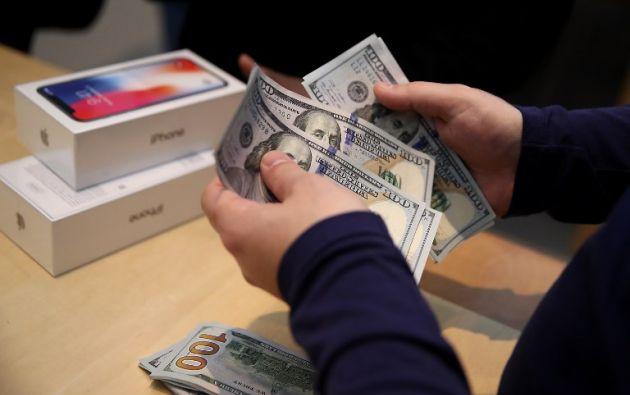 El iPhone X salió a la venta este viernes 3 de noviembre en 55 países. Su precio asciende a $999. Foto: AFP