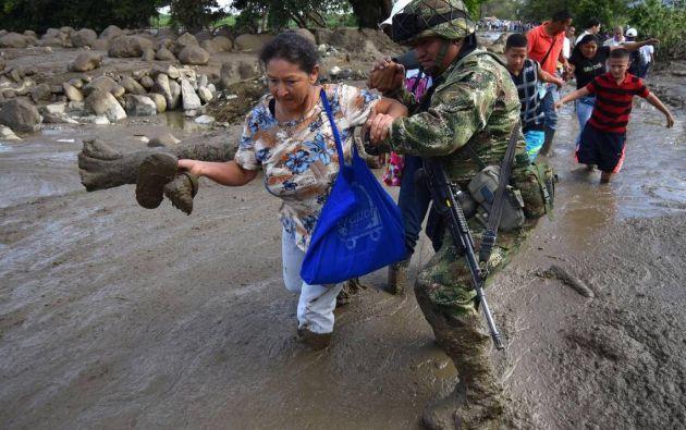 Los equipos de rescate y socorro comenzaron hoy a trabajar desde primera hora del día para buscar a los desaparecido. Foto: Nuevo Herald