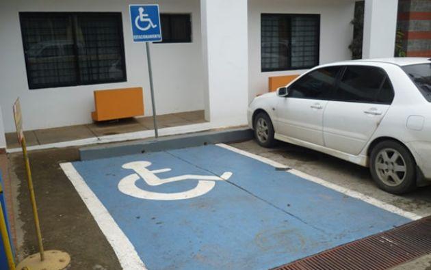"""La campaña, que se lanzará en un centro comercial, procura sensibilizar a la ciudadanía sobre el """"uso responsable"""" de los estacionamientos públicos. Foto: Internet"""