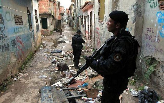 Los medios locales citan a habitantes de la favela que afirman que la policía abrió fuego contra una multitud que asistía a una fiesta callejera. Foto: Internet