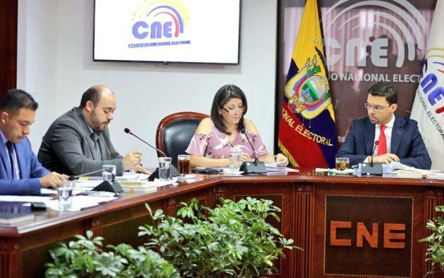 El Secretario General certificó que no existe, a la fecha, solicitud de cambio de directiva del Movimiento Alianza PAIS. Foto: CNE