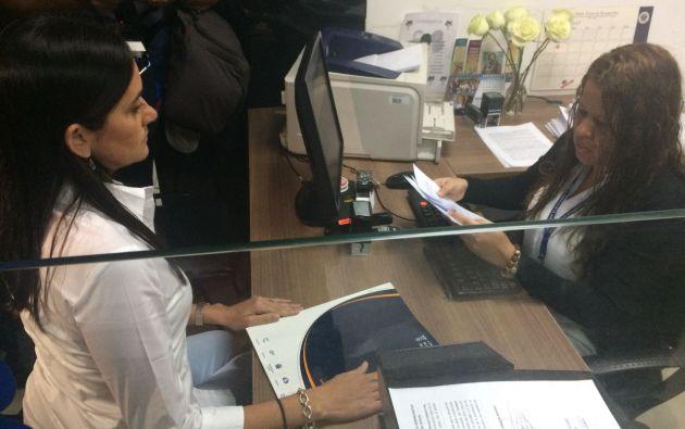 Gabriela Uquillas, asesora en temas aduaneros de la Cámara de Comercio de Guayaquil (CCG), presentó el escrito que pide la revocatoria.