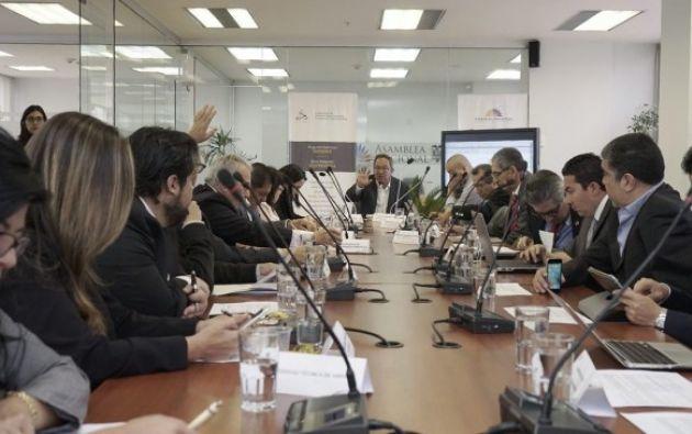 La propuesta de reforma busca que el CES esté integrado por diez miembros permanentes y cuatro ocasionales. Foto: Asamblea