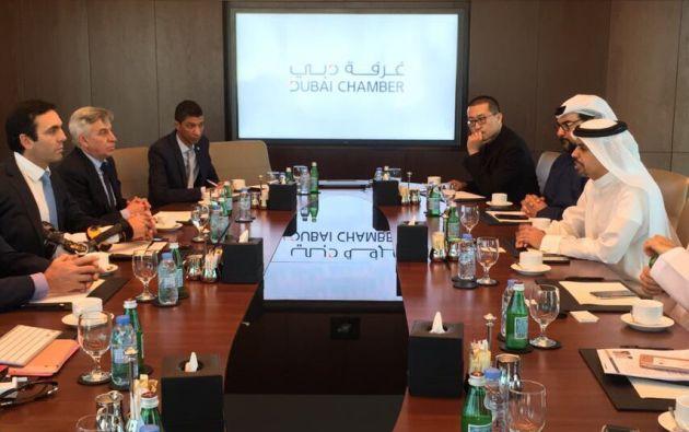 El Ministro mantuvo ayer una reunión con responsables de la Cámara de Comercio de Dubái donde presentó su catálogo de inversiones. Foto: Min. Comercio Ext.