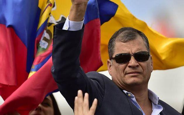 """El expresidente afirmó que van a """"expulsar"""" del partido a su sucesor Lenín Moreno, al que acusó de retrasar el país """"20 años"""" en seis meses. Foto: AFP"""