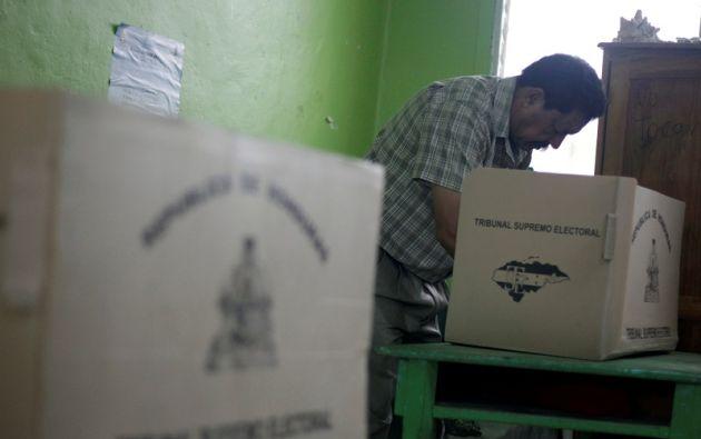 En total hay nueve candidatos presidenciales, pero según las encuestas solo tres tienen posibilidades de vencer. Foto: Reuters