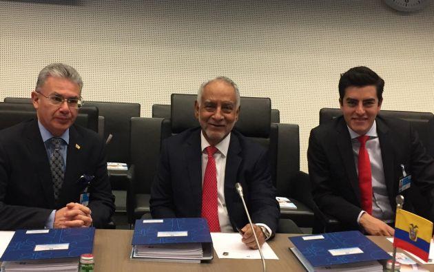 Ministro @CarlosPerez_MH junto a la delegación ecuatoriana que representó al país durante la CLXXIII reunión de la OPEP. Foto: Min. Hidrocarburos