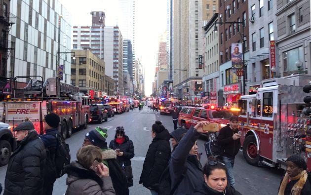 Se trató de una explosión de una bomba artesanal en un túnel en las inmediaciones de la terminal de tránsito de la Autoridad Portuaria, en Times Square. Foto: Reuters