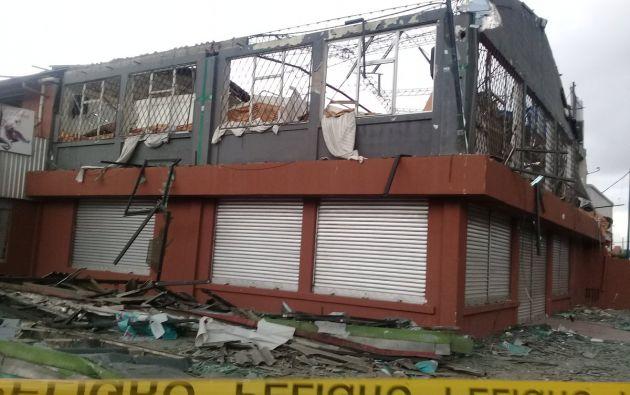 Se descubrió una instalación ilegal de gas cubierta por una pared, en el segundo piso de las instalaciones del restaurante. Foto: Twitter