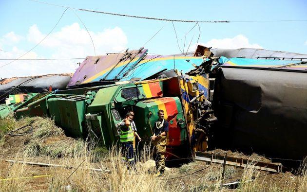 El tren, que transportaba a varios centenares de pasajeros, cubría el recorrido entre Port Elizabeth (sur) y Johannesburgo. Foto: Reuters