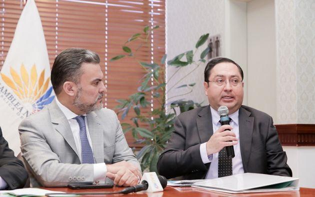 De La Torre cuestionó la intención de un eventual juicio político en rueda de prensa, el jueves 11 de enero de 2018. Foto: Asamblea