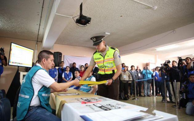 35.706 agentes brindarán su aporte directo en diferentes etapas del proceso electoral. Foto: archivo