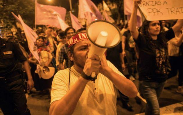 LIMA, Perú.- El 11 de enero miles de peruanos exigieron la renuncia del presidente en marchas en todo el país. Foto: AFP.