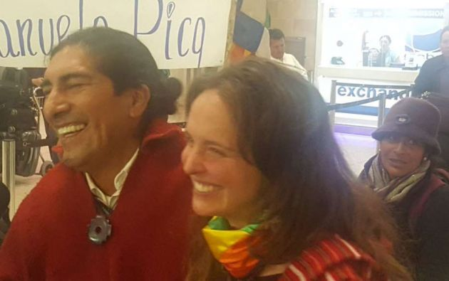 Manuela Picq llegó a la ciudad de Quito, pasadas las 22:00 horas de la noche de este lunes 15 de enero de 2018. Foto: @jcarlosaizprua