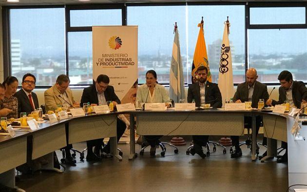 Dentro de los planteamientos Arosemena destacó algunos temas urgentes relacionados al comercio exterior. Foto: Ministerio Industrias