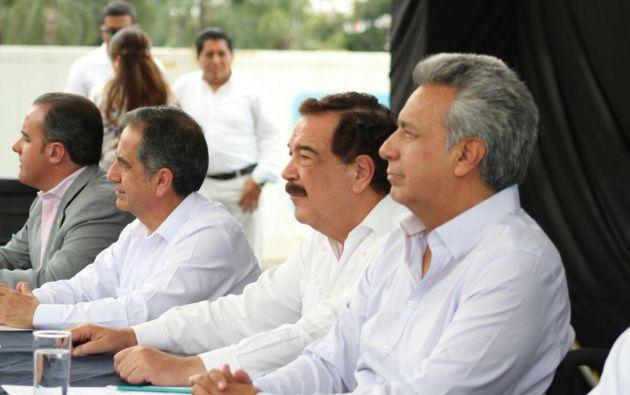 Firma de convenios para la rehabilitación y adecuación turística de las esclusas del Puerto de Guayaquil y creación del Instituto Tecnológico. Foto: Presidencia