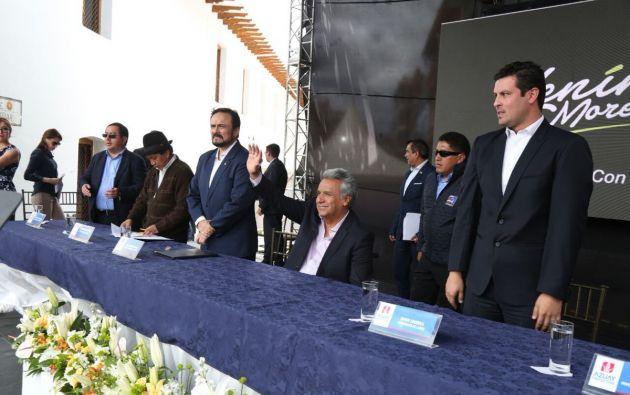 Firma de convenios con la Prefectura del Azuay y juntas de regantes de la provincia. Foto: Presidencia