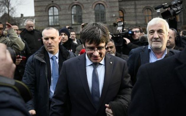 Puigdemont y cuatro de sus ministros se instalaron en Bélgica antes de ser imputados por rebelión y sedición. Foto: AFP