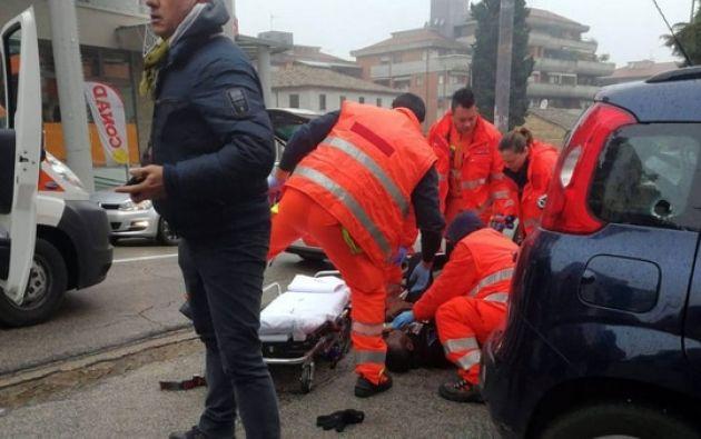 Un hombre abrió fuego contra inmigrantes en la ciudad italiana de Macerata: al menos cuatro heridos graves. Foto: Redes