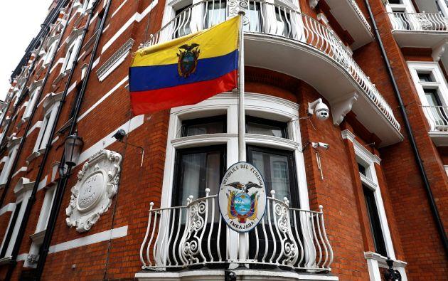 La demanda de Assange se produce poco después de que Ecuador le diera la ciudadanía y estatus diplomático. Foto: Reuters