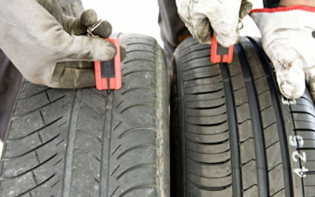 La devolución incluye el montado y balanceado en el vehículo. Foto: Internet