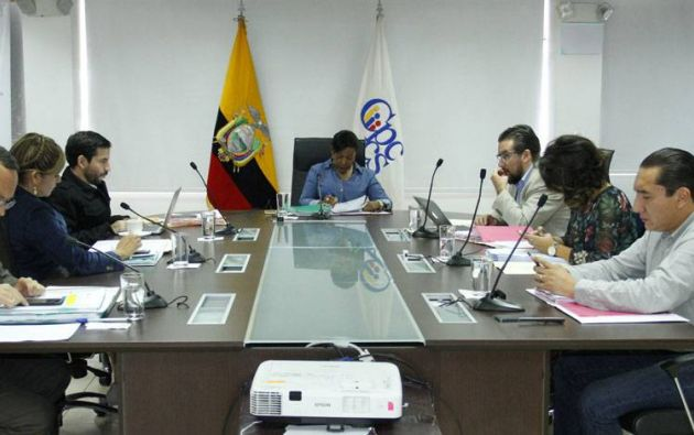 Al triunfar el Sí en la consulta, los consejeros del CPCCS debían ser separados de sus cargos. Foto: archivo
