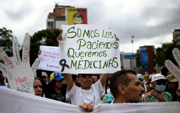 """""""Una caja de pastillas se consigue en seis millones de bolívares y dura 15 días"""", lamentaron. Foto: AFP"""