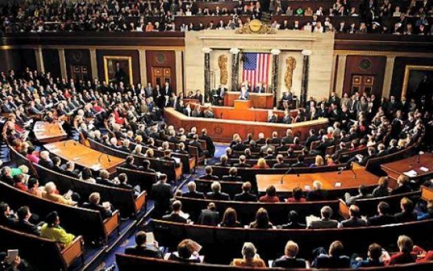 La medida, objeto de intensas negociaciones, debe adoptarse en el Senado y la Cámara de Representantes antes de la medianoche del viernes. Foto: Internet