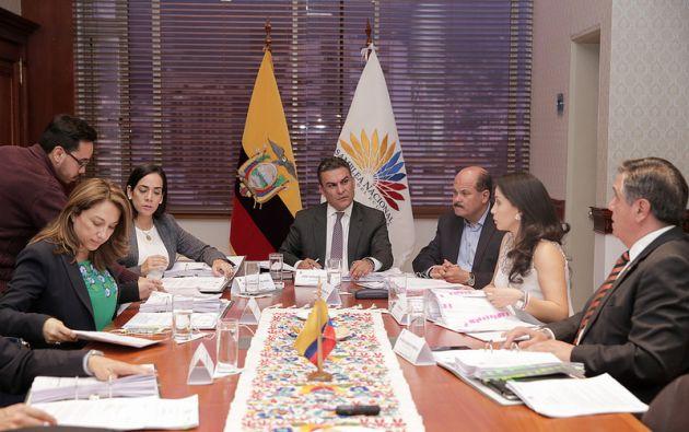 Serrano ha anunciado también que las reformas de la consulta popular estarán listas antes del 15 de marzo. Foto: Asamblea