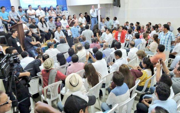 En Durán, se realizó la primera reunión nacional de militantes de la 'Revolución Ciudadana'. Foto: Twitter