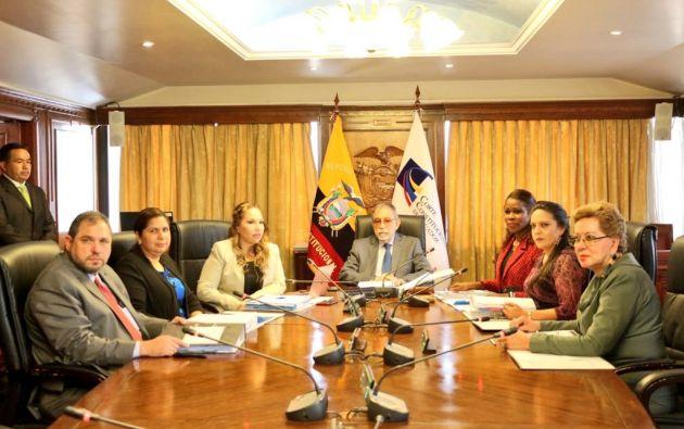 En la sesión del Pleno, resolvió restituir el derecho de los trabajadores a utilidades. Foto: Corte Constitucional