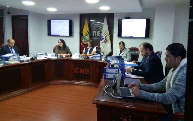 El CNE destinó $141 millones para elegir a 5.670 autoridades seccionales y del CPCCS.