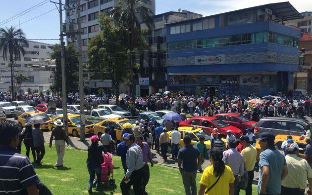 El dirigente recalcó que los servicios a los que llamó informales afectan de manera significativa a los conductores de taxis amparados por la Ley. Foto: Pública FM
