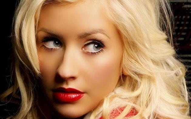 Aguilera, además, ofrece una entrevista en la que confiesa sentirse a gusto con un rostro siempre retocado. Foto: Su Noticiero