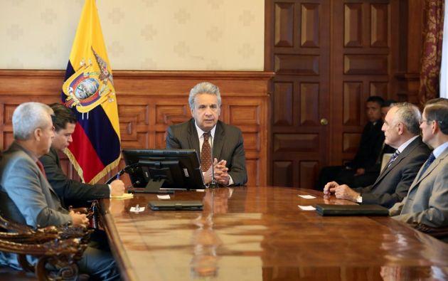 Moncayo agregó que la primera acción a tomarse es trabajar para la liberación de los ecuatorianos secuestrados en sector de Mataje. Foto: Presidencia