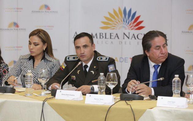 """""""Solicito que se me otorguen las facilidades y garantías necesarias para exponer los documentos"""", dijo Ibarra. Foto: Asamblea"""