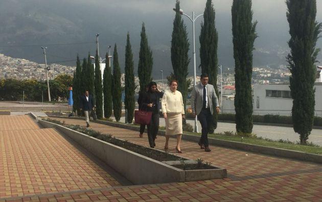 La reunión se realiza a puertas cerradas. Foto: Pública FM