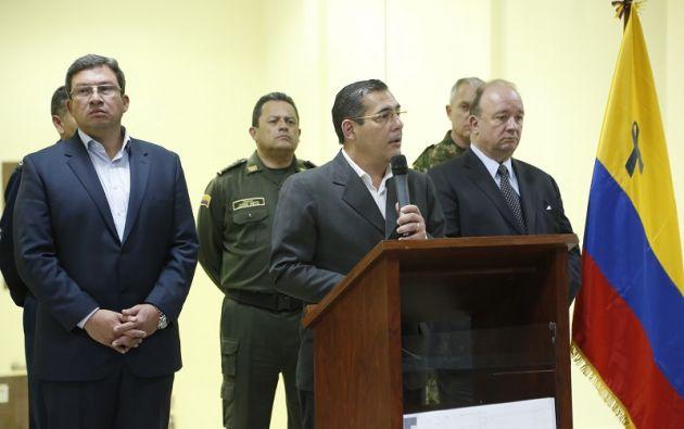 Del lado colombiano también se anunció una recompensa de 400 millones de pesos por información sobre 'Guacho'. Foto: Min. Defensa