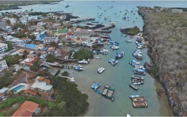 Los muelles de las tres principales islas de Galápagos solo son adecuados para embarcaciones pequeñas. Foto: Reuters